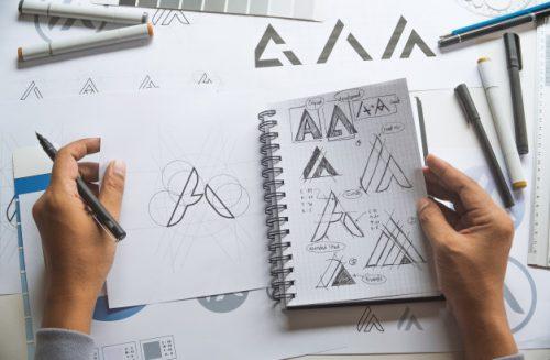 Gratis je eigen logo maken